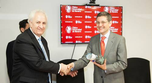Entrega premio reputación sanitaria MERCO 2014 mejor hospital privado Clínica Universidad de Navarra